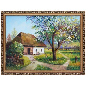Цветущая яблоня в деревне