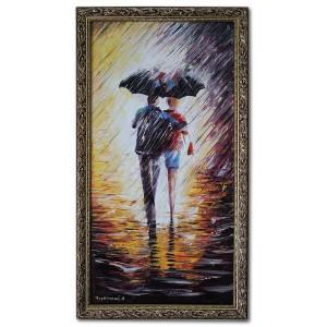 Влюбленная парочка под дождем